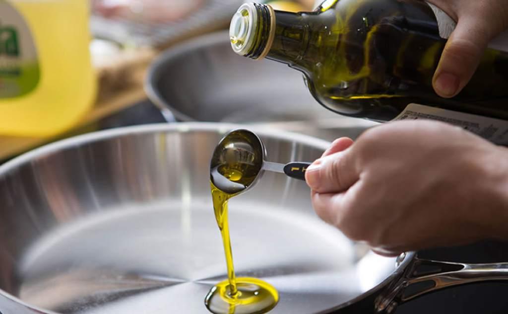 Uno de cada tres estadounidenses desconocen que el aceite de oliva proviene de las aceitunas